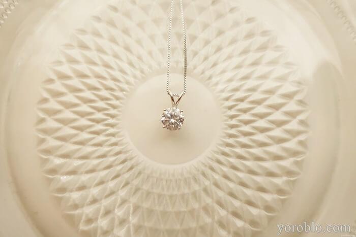 キュービックジルコニアの一粒ダイヤネックレス